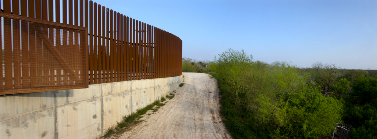 us mexico border essay A journey from san diego to brownsville offers an up-close view into what it would actually take to complete donald trump's proposed wall along the us-mexico border.